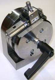 Wasserdichter Teilapparat für EDM-Maschinen Sinusabrichter für Rund- und Flachschleifmaschinen von der WFN AG Werkzeugbau Formenbau Feinmechanik Rutzenbach 9652 Neu St. Johann